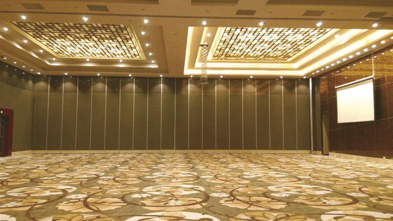 南昌瑞顾大酒店会议厅活动隔断安装项目