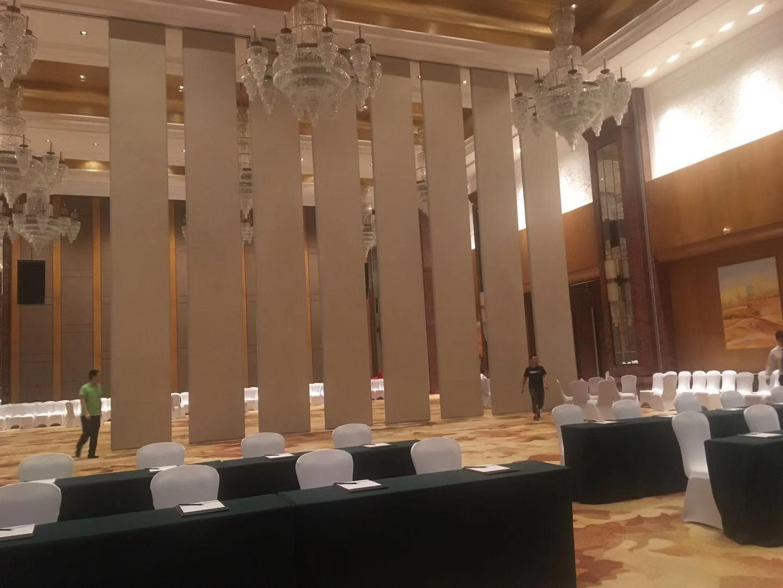 湖北汉川天屿湖假日酒店活动隔断安装项目